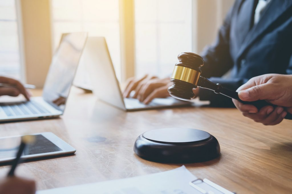 Commercial Business Litigation Attorneys Denver